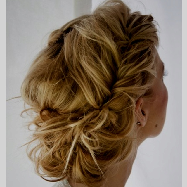 Gorgeous formal hair... <3