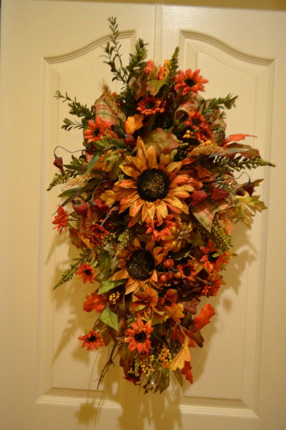 Sunflower Door Swag & 121 best swags images on Pinterest | Christmas swags Christmas ... pezcame.com