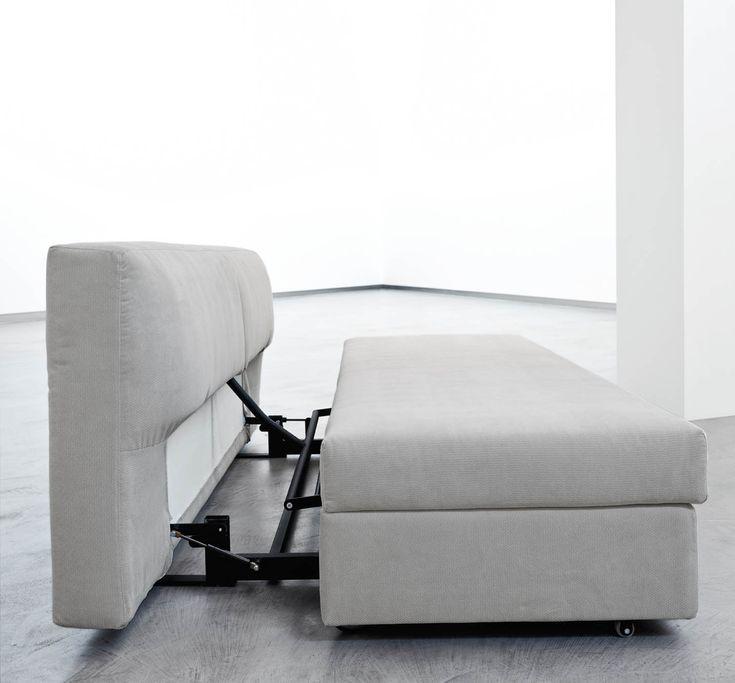 """Design: Giulio Manzoni for Orizzonti Italia Vulcano, prodotto dalla sister company """"Orizzonti Italia"""", è la soluzione ideale per chi necessita di un divano letto multiuso: comodo e trasformabile, si adatta ad ogni ambiente, offrendo un luogo di relax che all'occorrenza diventa un pratico giaciglio su cui riposare. Download"""
