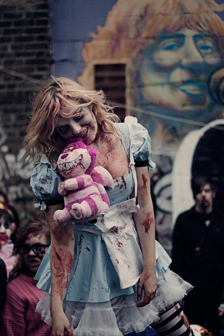 Dash Revery | Toronto Zombie Walk 2009