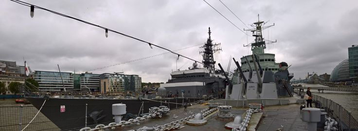 Love it when your visit coincides with a warship's - JMSDF training ship Kashima tied up next to HMS Belfast on the Thames, Aug 2, 2016 [7081x2607]