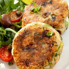 Savory Salmon-Crab Cakes....  these sound wonderful: Maine Dishes, Anderson Diet, Fish Cakes, Cakes Recipes, Tracey Anderson, Crabs Cakes, Healthy Food, Salmon Patties, Salmon Cakes