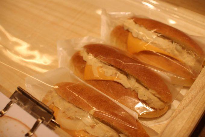 茨木市真砂の「Bakery Factory(ベーカリーファクトリー)」にコッペパンが登場   Bakery Factory(ベーカリーファクトリー)
