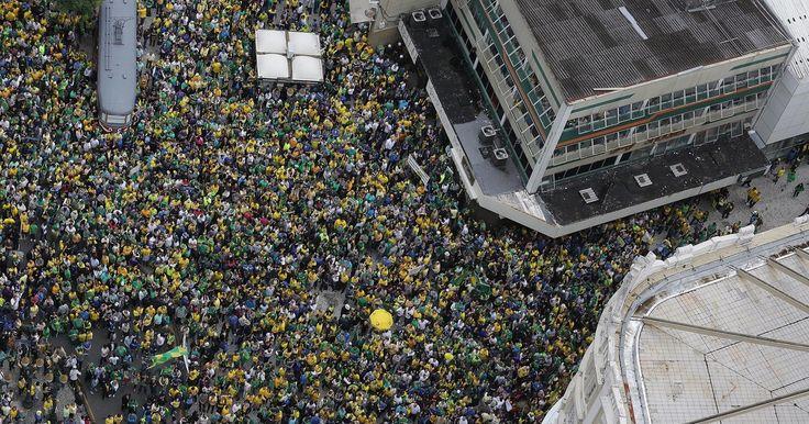 Ato contra o governo federal reúne 200 mil pessoas em Curitiba, diz PM