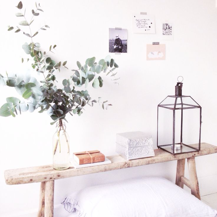 25 beste idee n over houten bankjes op pinterest buiten zitbankje boom bank en oude bankjes - Donkere gang decoratie ...