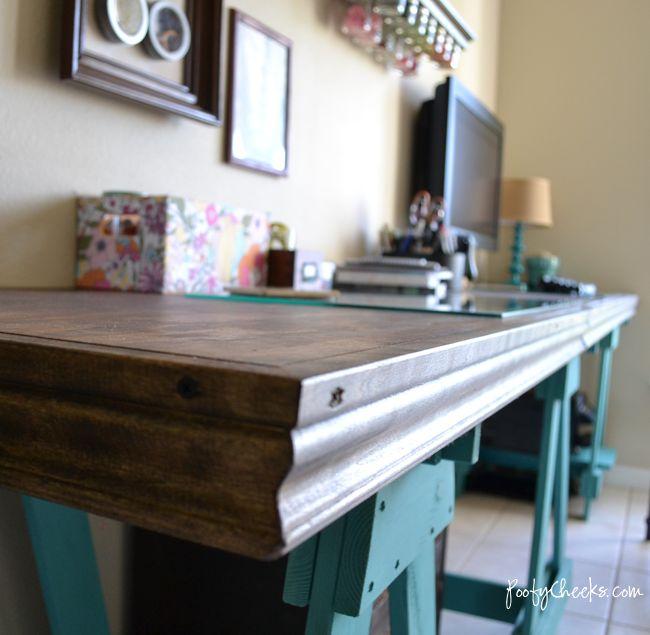 Diy sawhorse desk by poofy cheeks diy build it for Funky computer desks
