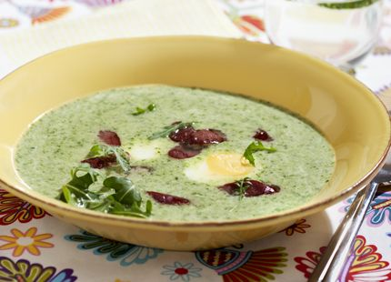 En soppa kan både vara gott och en hit för dig som vill ha koll på vikten. Med MåBra:s recept får du ett garanterat smalt resultat, håll till godo  – här är 50 av våra smala favoriter!
