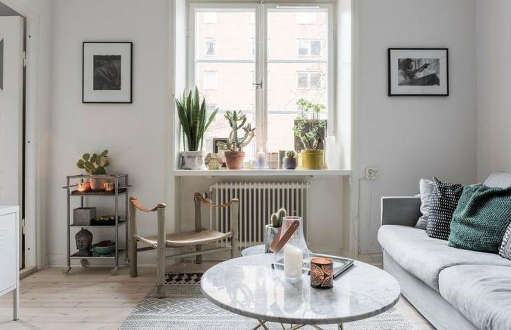 Välkommen till denna hemtrevliga och ljusa 20-tals lägenhet nära populära Mariatorget! Föreningen som är skuldfri har mycket god ekonomi och låga avgifter.   Lägenheten präglas genomgående av vackra brädgolv i original, ljusa väggar och fina ljusinlä...