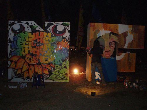 night graffiti,  Urbanfest, Ancol 2007 + it's a youth movement in big cities + collaboration of 4 companies : Kompas Group, Prambors Radio, Ancol and Institut Kesenian Jakarta