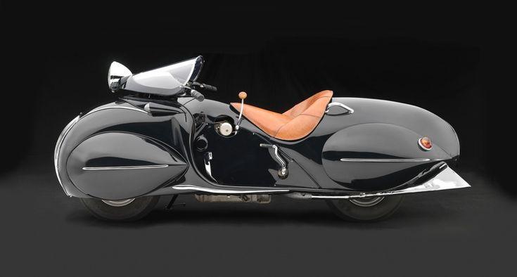 Henderson KJ Streamline, 1930, Collection of Frank Westfall, NerA-Car Museum, Syracuse, N.Y.; Photo © 2016 Peter Harholdt