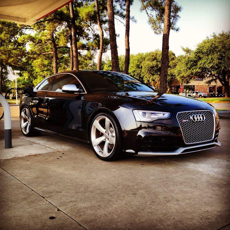 Feeding Frenzy! #Audi RS5