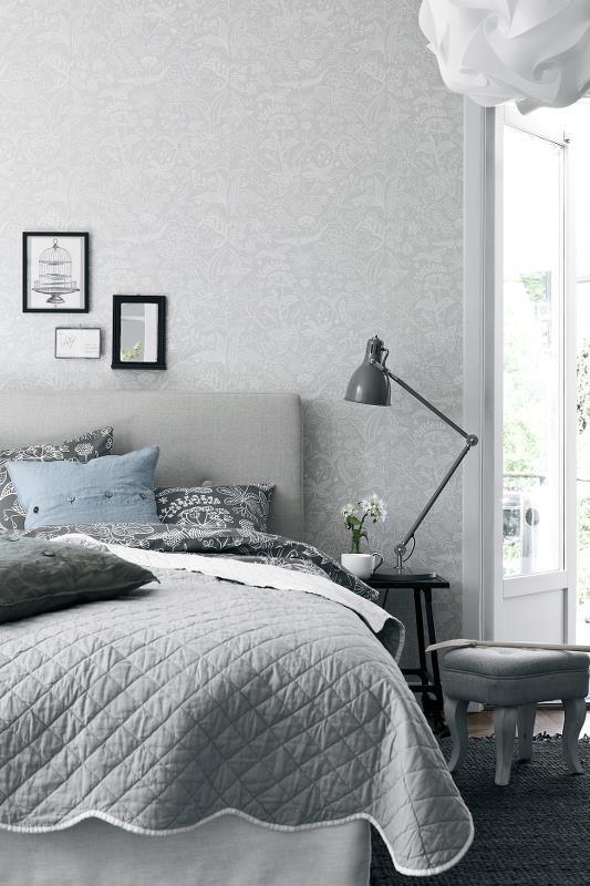 Borsåtapeter Scandinavian Designers -mallisto 2745. www.varisilma.fi http://kauppa.varisilma.fi/seinanpaallysteet/nonwoven-tapetit/scandinavian-designers/ #tapetti #makuuhuone #boråstapeter #vaalea