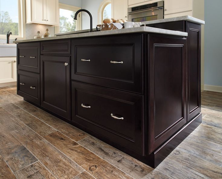 Style 750 In Maple Cream Glaze Waypoint Living Space Cabinets Available At  Winslow Kitchen Studio, 34 New Orleans Road, Hilton Head Island, SC.