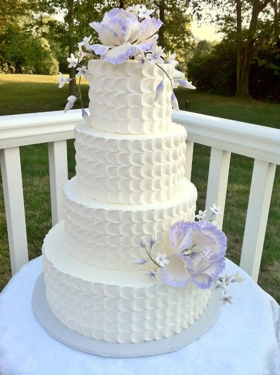 Lavender Petal Cake. I think I would like this better without the flowers. It's very pretty.