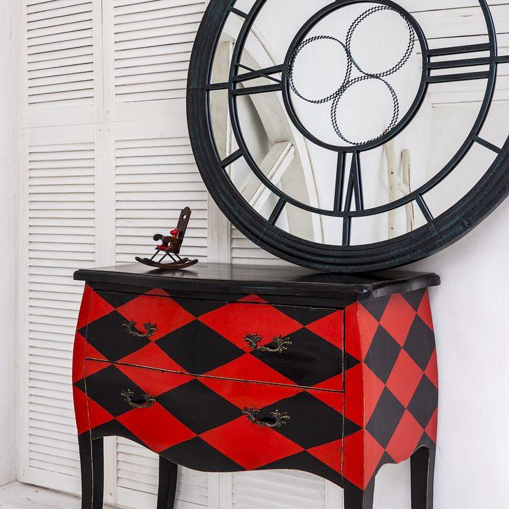 """Комод """"Эдисон"""" в стиле XVIII века завоевывает внимание классическим  черно-красным контрастом. Этот комод - образец высокой театральной моды, ведь он словно одет в костюм Арлекина. Комод с двумя вместительными выдвижными ящиками - идеальное сочетание практичности и авторского стиля владельца.  #мебель, #интерьер, #комод, #французскийстиль, #furniture, #commode, #chestofdrawers, #frenchstyle, #objectmechty"""