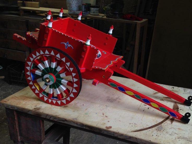 Carretto siciliano decorato a mano