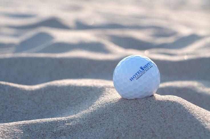 Golfen an der Ostsee.  #warnemünde #golfhotel #strand #sport #spaß
