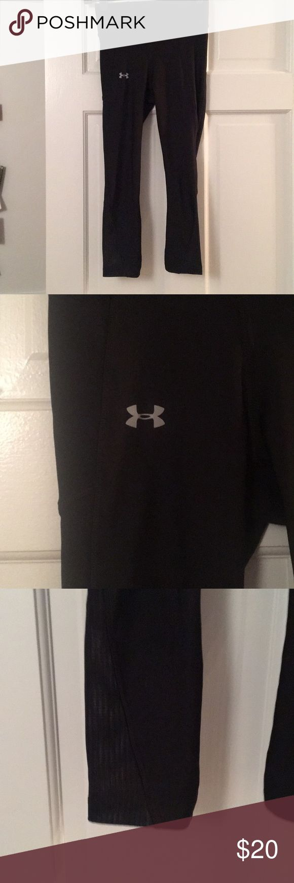 Under Armour Women's Capri Leggings Extra small under armour Capri leggings. Mesh material around the calfs. Worn once Under Armour Pants Leggings