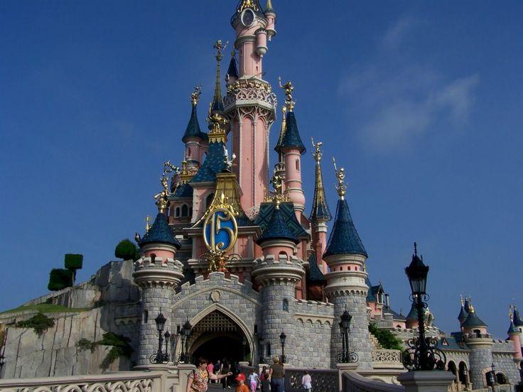 Παρίσι: Τα 5 πιο εντυπωσιακά θεματικά πάρκα