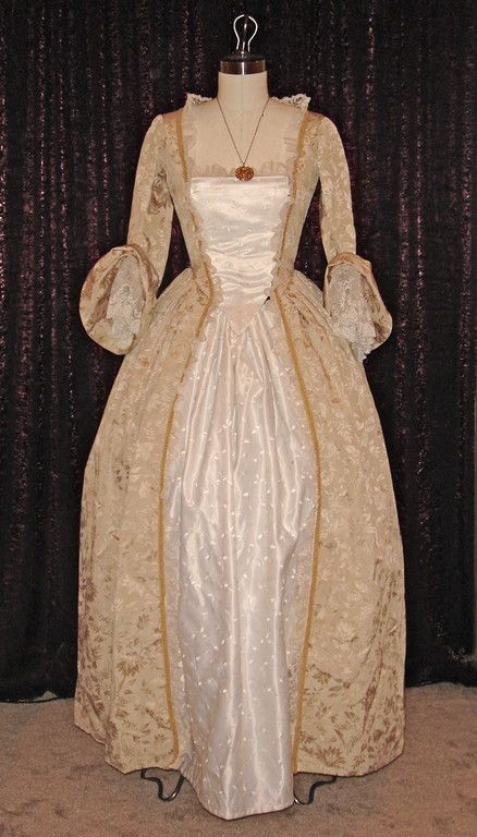 Pirates of the caribbean elizabeth swan 39 s wedding dress for Caribbean wedding dresses for guests