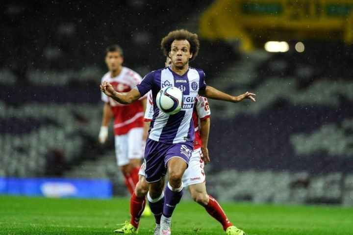 Ligue 1 side Rennes have lodged a bid worth between 5m and 8m to sign Toulouse striker Martin Braithwaite this  Source