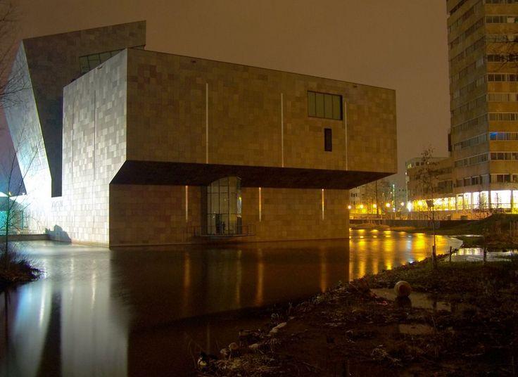 Eindhoven - Van Abbe museum (night )
