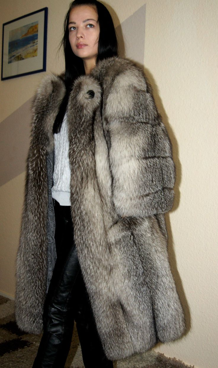 Pelzmantel silberfuchs bluefrost silver fox fur coat pelz fur33 pinterest pelz jacken and - Bilder fur wohnungsdekoration ...