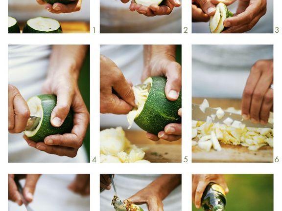Gefüllte Zucchini zubereiten ist ein Rezept mit frischen Zutaten aus der Kategorie Blütengemüse. Probieren Sie dieses und weitere Rezepte von EAT SMARTER!