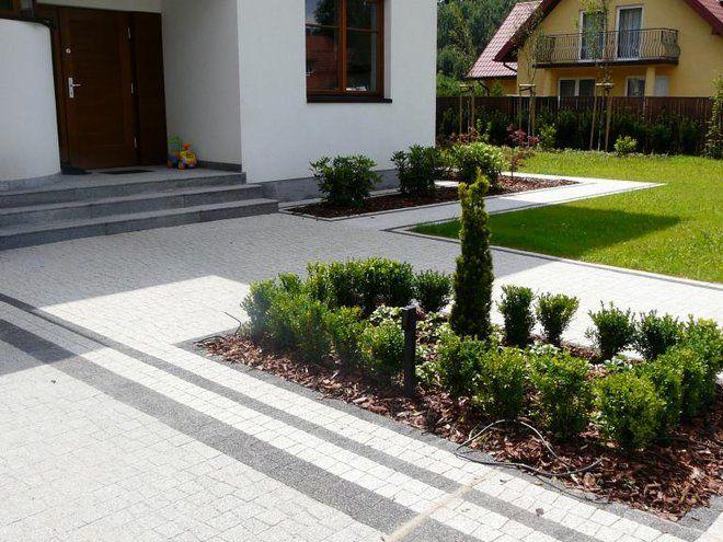 Główną moją domeną  jest projektowanie otoczenia wokół domu. Projektuje nawierzchnię  z kostki brukowej, doradzam w doborze zieleni, małej architektury i oświetlenia. Zapraszam do obejrzenia mojej strony: www.projektowaniekostki.pl