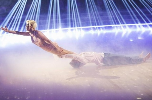 This was my favourite dance last year, done by Derek hough and Kelly pickler.