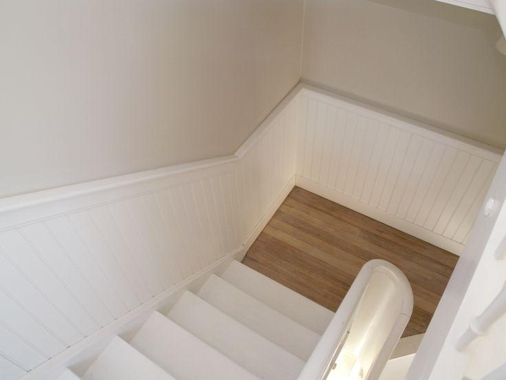 beadboard.de Treppenverkleidung im Farmhouse Frankenthal, zusammen mit Möbeln von #Riviera Maison eine perfekte Kombination! #Wandverkleidung #Holzverkleidung #beadboard Deutschland #bundesweites Team