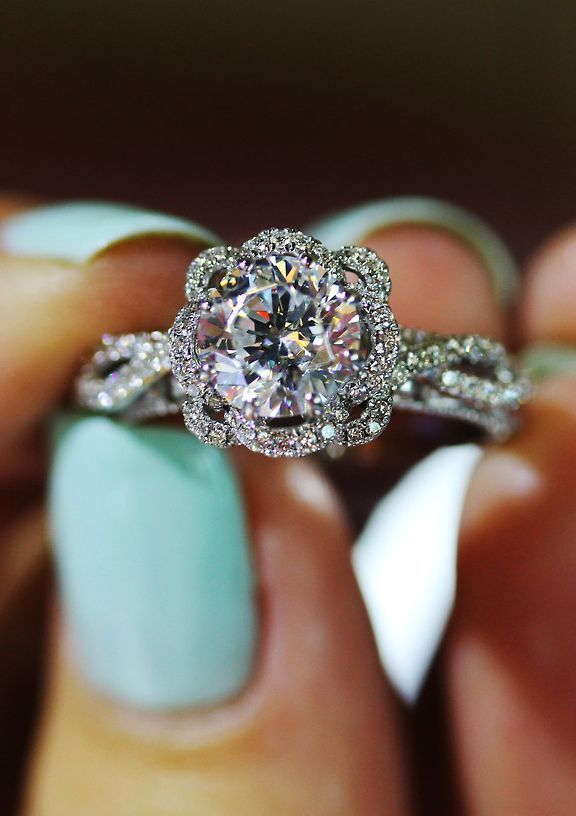 I would CRY so hard! Gorgeous White Gold Diamond Ring