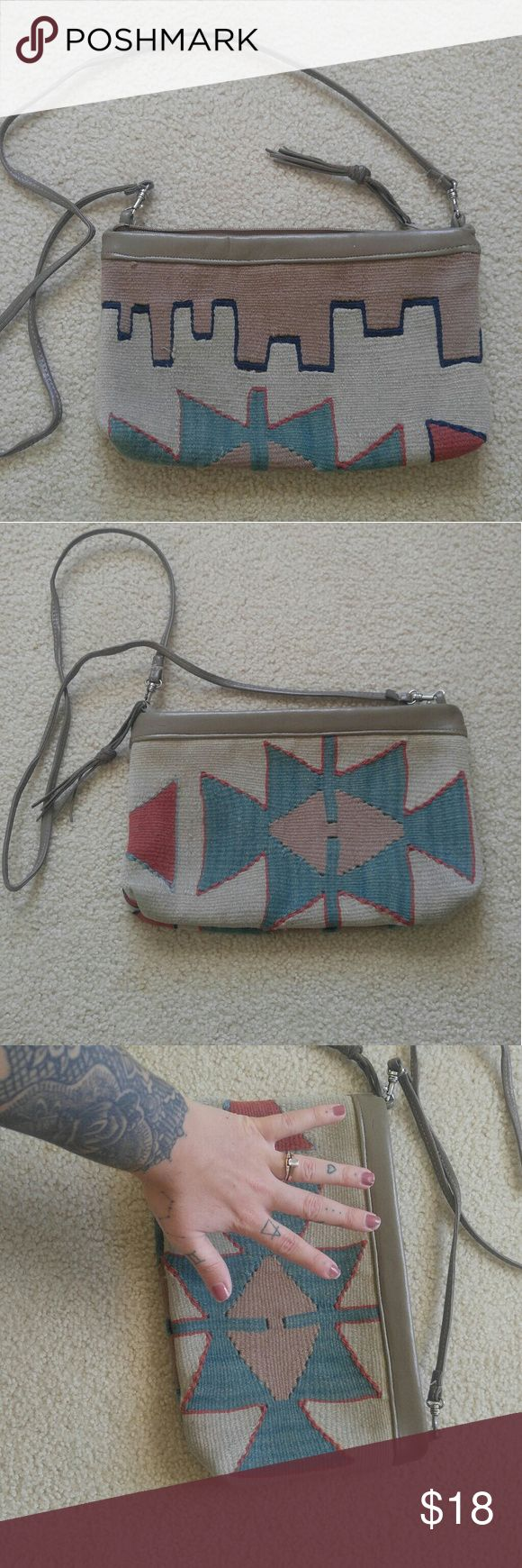 Vintage Woven Aztec Purse Woven Aztec patterned crossbody bag. In great condition and so cute for the fall! Similar to free people, humble hilo, nena & co, anthropologie, urban outffiters, etc. Vintage Bags Crossbody Bags