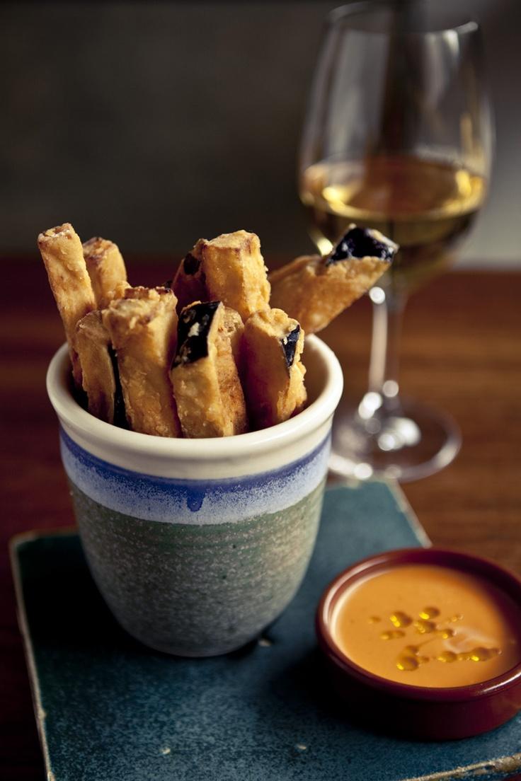 Berenjenas con salmorejo. Eggplant chips served wth salmorejo sauce.