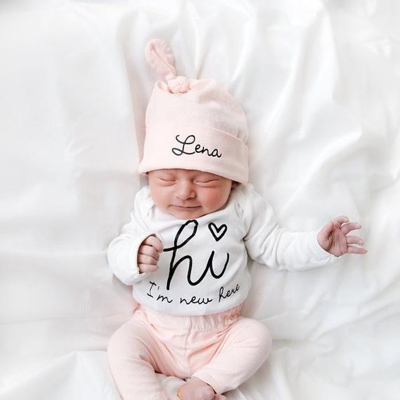 Baby Mädchen Coming Home Outfit Neugeborenes Mädchen Coming Home Outfit Baby Mädchen Kleidung HALLO WELT Personalisierte Neugeborenen Outfit Baby Mädchen Outfits   – Baby