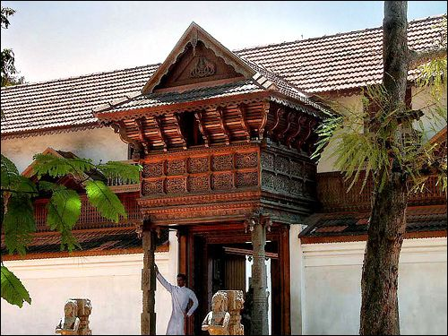 16th century Padmanabhapuram palace was once the home of the Travancore (South Kerala) royal family.  The palace is built in the traditional Kerala style with lots of intricate woodwork, shuttered windows, murals and wall paintings.  It is now located in Tamil Nadu but is still maintained by the Kerala government.