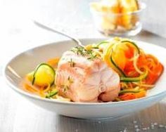 Roussette et tagliatelles de légumes sur crème citronnée - Une recette CuisineAZ http://www.cuisineaz.com/recettes/roussette-et-tagliatelles-de-legumes-sur-creme-citronnee-73783.aspx