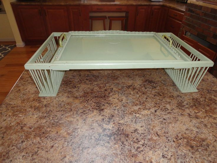 VTG SHABBY AND CHIC   WICKER AND GLASS  MINT GREEN BREAKFAST TRAY BED TRAY