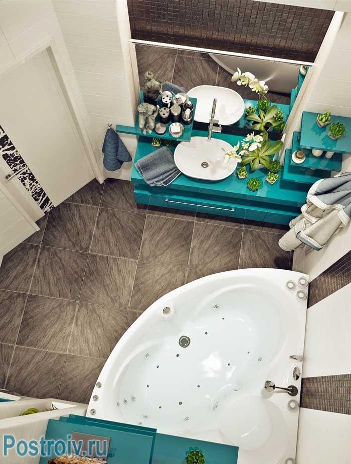 Угловая ванная комната. Фото