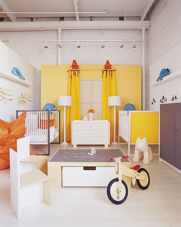 Une chambre d'enfants haute en couleurs, jaune tonique | Colorful kids' room, yellow