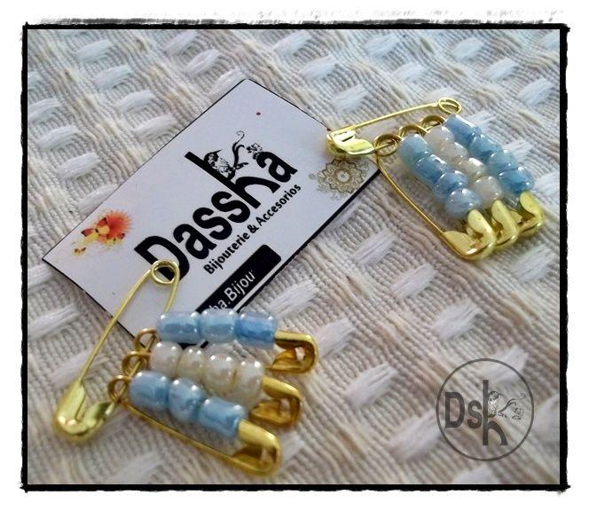 Originales escarapelas para llevar en nuestros corazones!!! en este mes de junio tan especial! Dassha.bijou