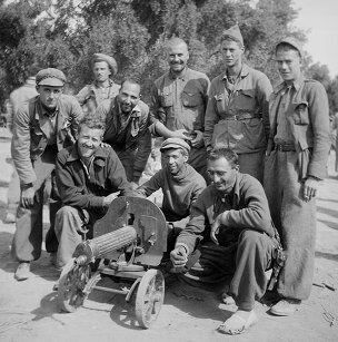Spain - 1937. - GC - Joe Bianca, Lincoln-Washington Machine-Gunner Company, Sec. 2, Crew 3 - wearing espadrilles
