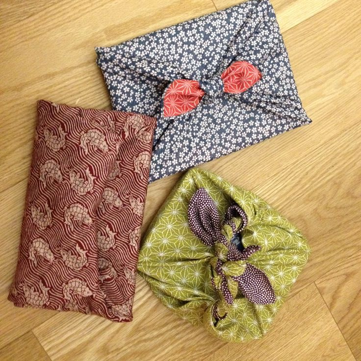 Eco-Wrapping with double Sided japanese Furoshiki - traditional Patterns. Sizes 50 x 50 cm. Available at www.karlottapink.com - The online fabric treasury