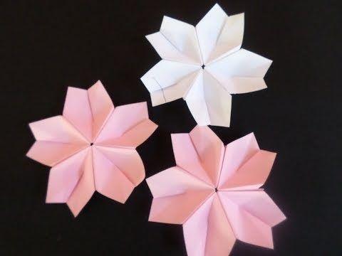 A sakura (flor de cerejeira) de origami é uma dobradura modular, ou seja, são feitas peças (módulos) separadamente, que são unidas dep...