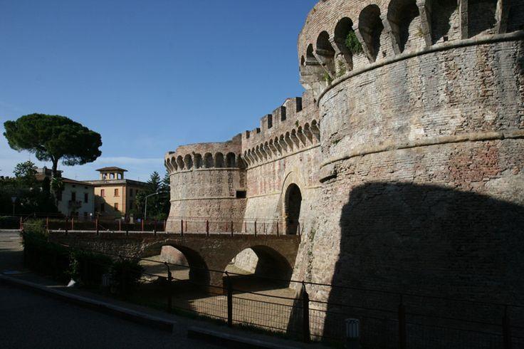 Découvrez Colle di Val d'Elsa sur toscane1.com , la ville de l'abolition de la peine de mort : 1786 au palais Renieri