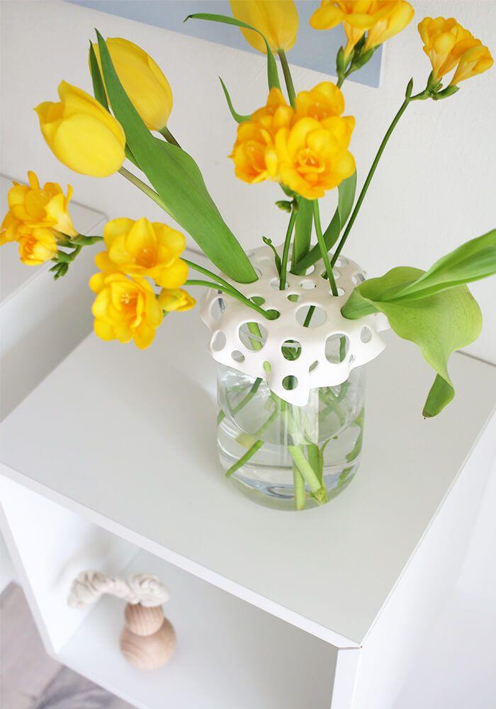 DIY: Dani von Gingered Things zeigt euch wie ihr aus Fimo einen tollen Aufsatz für eine Vase basteln könnt. Hier geht es zur Anleitung.