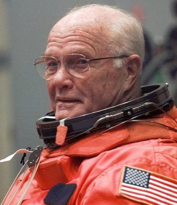 space shuttle john glenn - photo #33