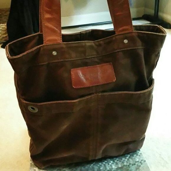 "Spotted while shopping on Poshmark: ""Abercrombie and Fitch canvas tote""! #poshmark #fashion #shopping #style #Abercrombie & Fitch #Handbags"