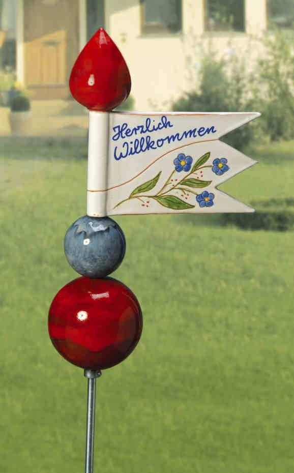 Gartenstele mit Fahne - Begrüßen Sie Ihre Gäste mit einem persönlichen Willkommensspruch.