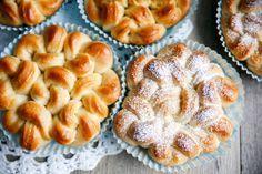 Brioche Bouclettes - Eller som vi skulle kalla dem i Sverige - Briochelockar. Söta sötebröd från Frankrike med smak av vanilj.